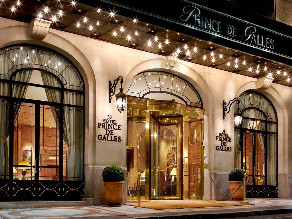 Prince de galles a luxury collection hotel paris for Luxury hotels paris france