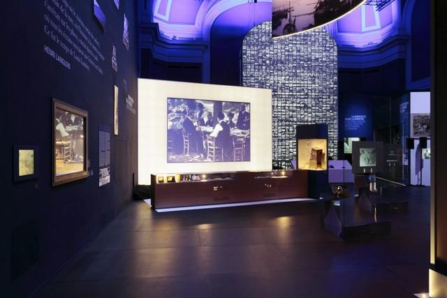 lumi re inventing cinema in paris celebrates the birth. Black Bedroom Furniture Sets. Home Design Ideas