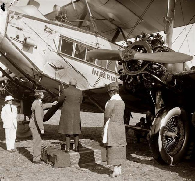 an-airplane-from-british-imperial-airways-taken-in-the-early-1930s-jpg