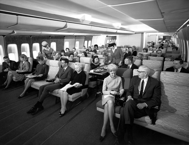 economy-class-seating-on-a-pan-am-747-in-the-late-1960s-png