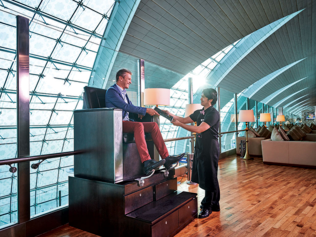 how to get emirates lounge access