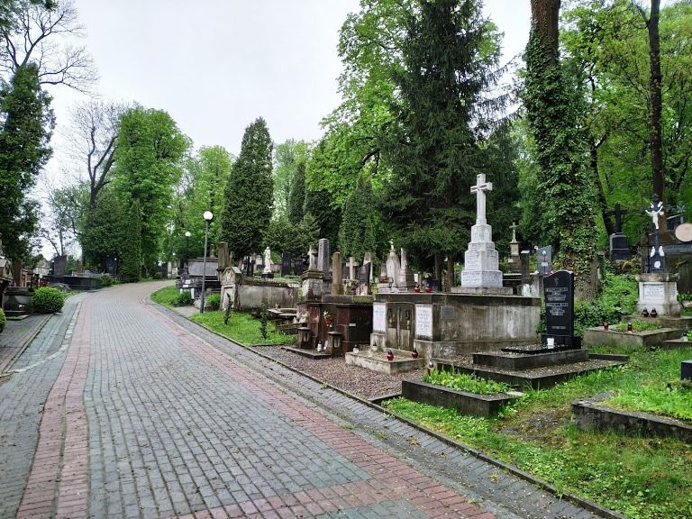 lychakiv-tombs