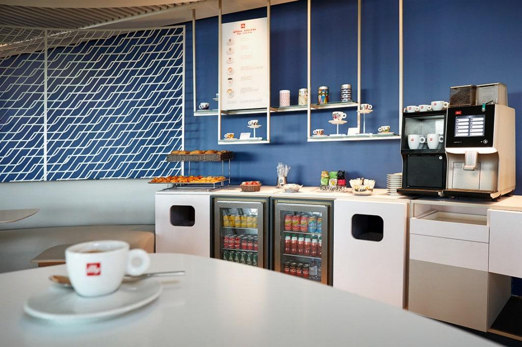Paris-Charles de Gaulle Terminal 2G new lounge