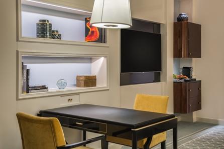 Waldorf Astoria Beverly Hills Guest Suite Living Area