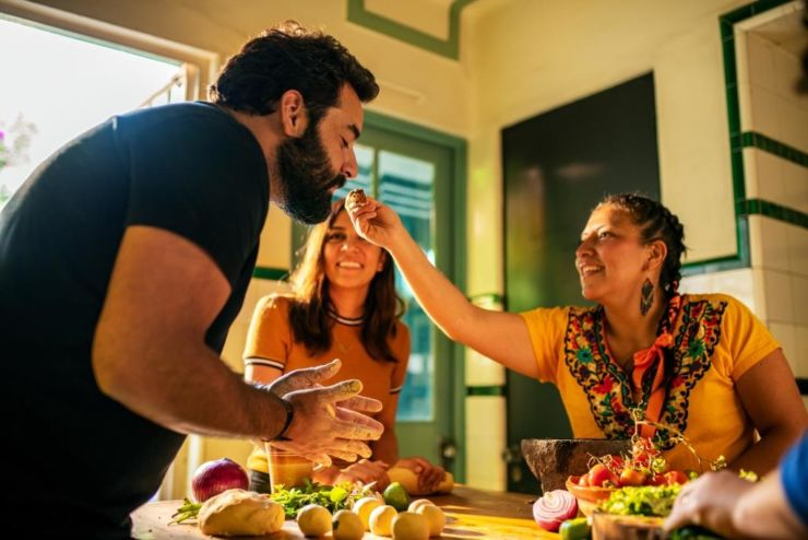 Airbnb Experiences travel food