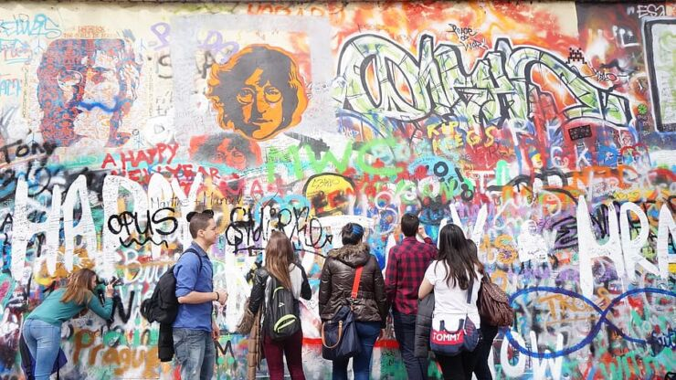 Lennon Wall, Prague graffiti