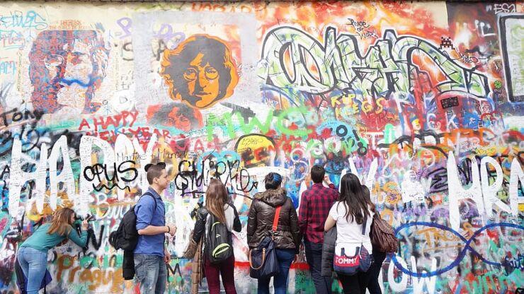 Lennon Wall, Prague graffiti