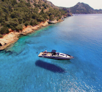 private luxury boat voyages