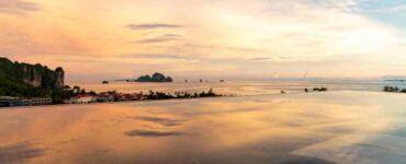 Avani Ao Nang Cliff Krabi Resort - Infinity Pool Sunset